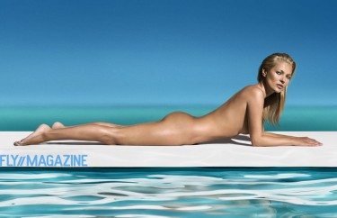 Kate_Moss_STTropez_001